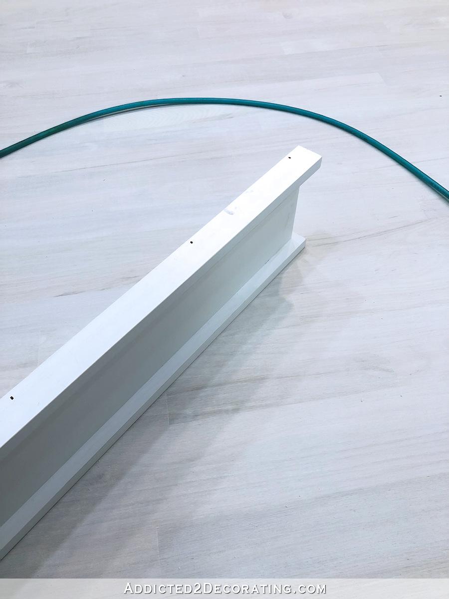 Habillage de fenêtre facile à installer - attachez trois pièces pour créer un en-tête supérieur large de l'enveloppe