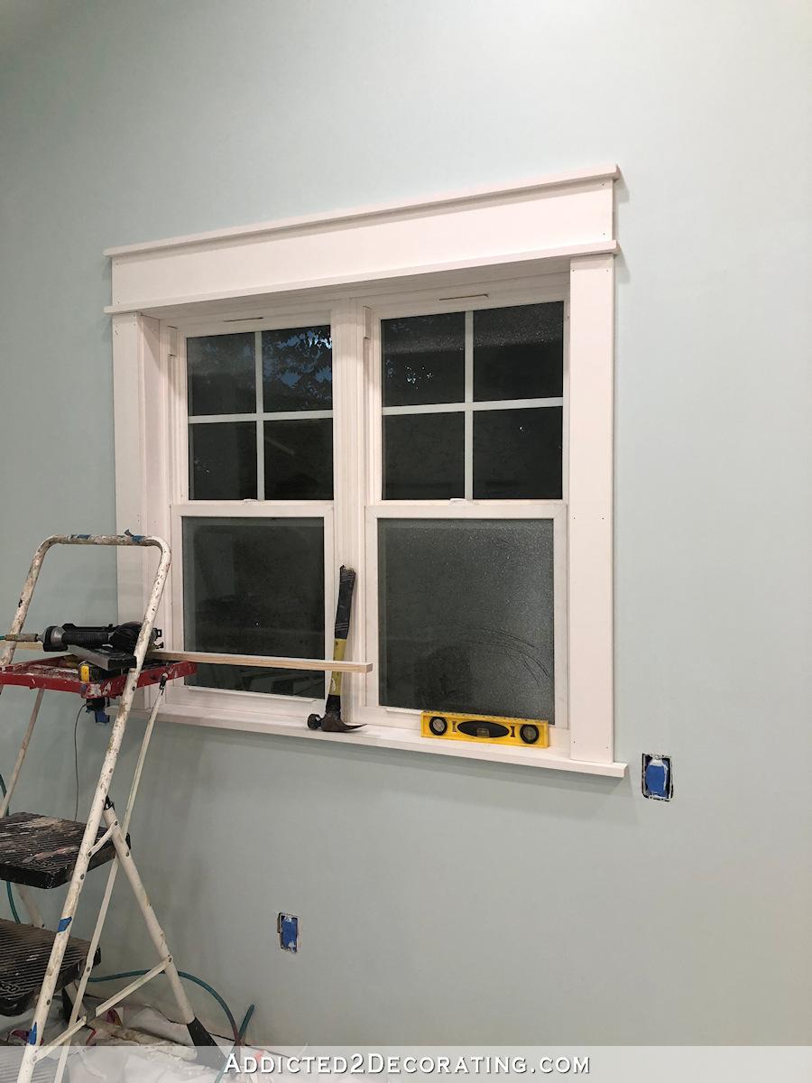 Comment découper une fenêtre - installer un carter supérieur large