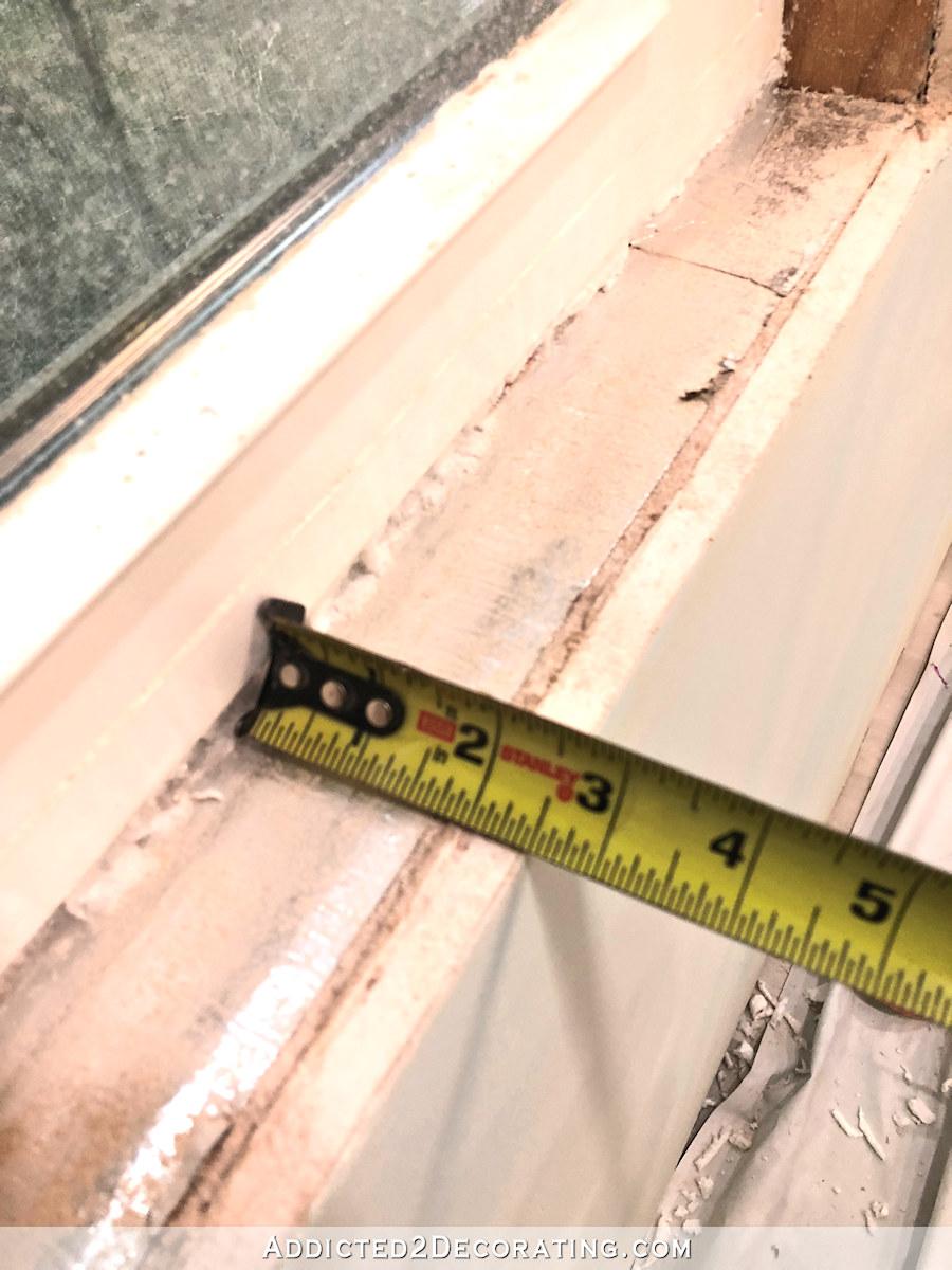 Mesurer la profondeur de la fenêtre pour la mesure du rebord de la fenêtre