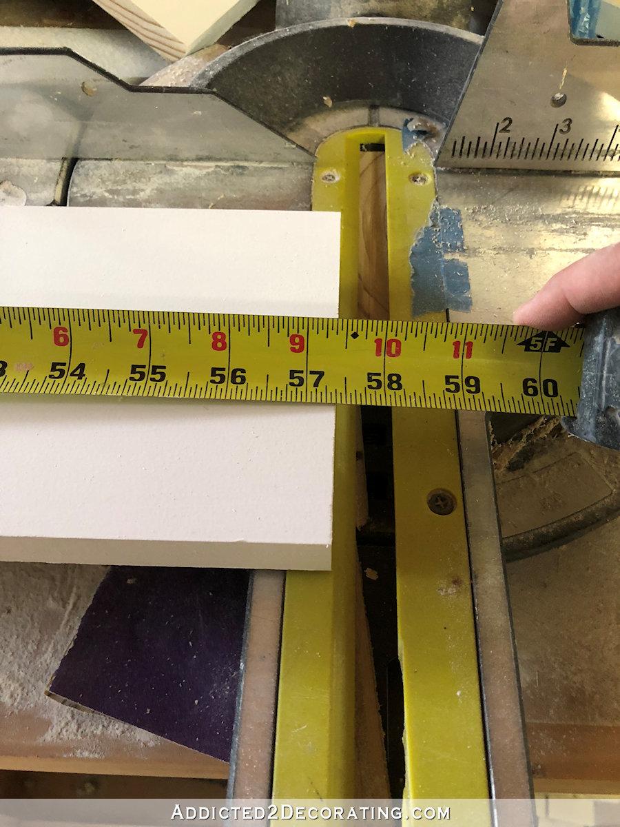 Couper le rebord de la fenêtre (tabouret) dans du bois de 1 pouce