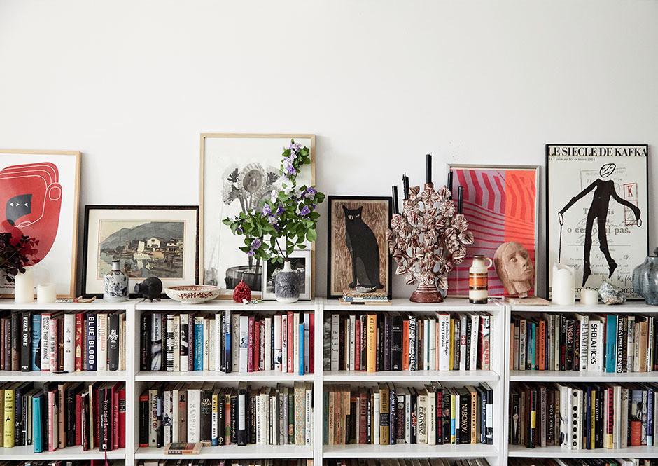un salon décontracté fait pour lire et se prélasser | chambre de la semaine sur coco kelley