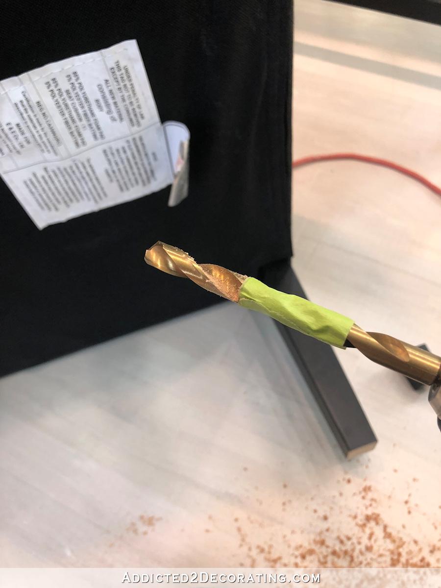 comment ajouter des roulettes à une chaise de salle à manger ou de bureau - 5