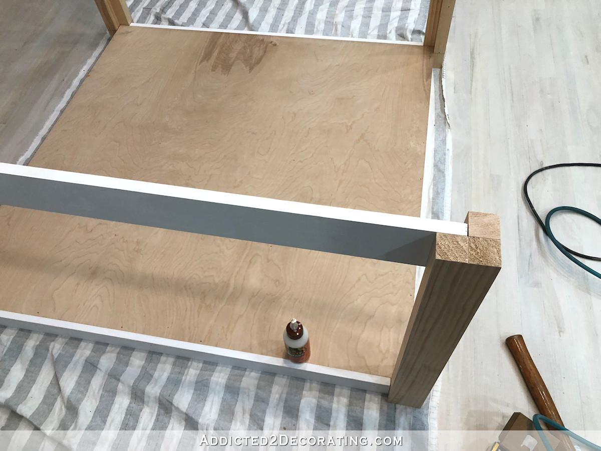 comment construire une grande table craft - 14 - ajouter un support supérieur