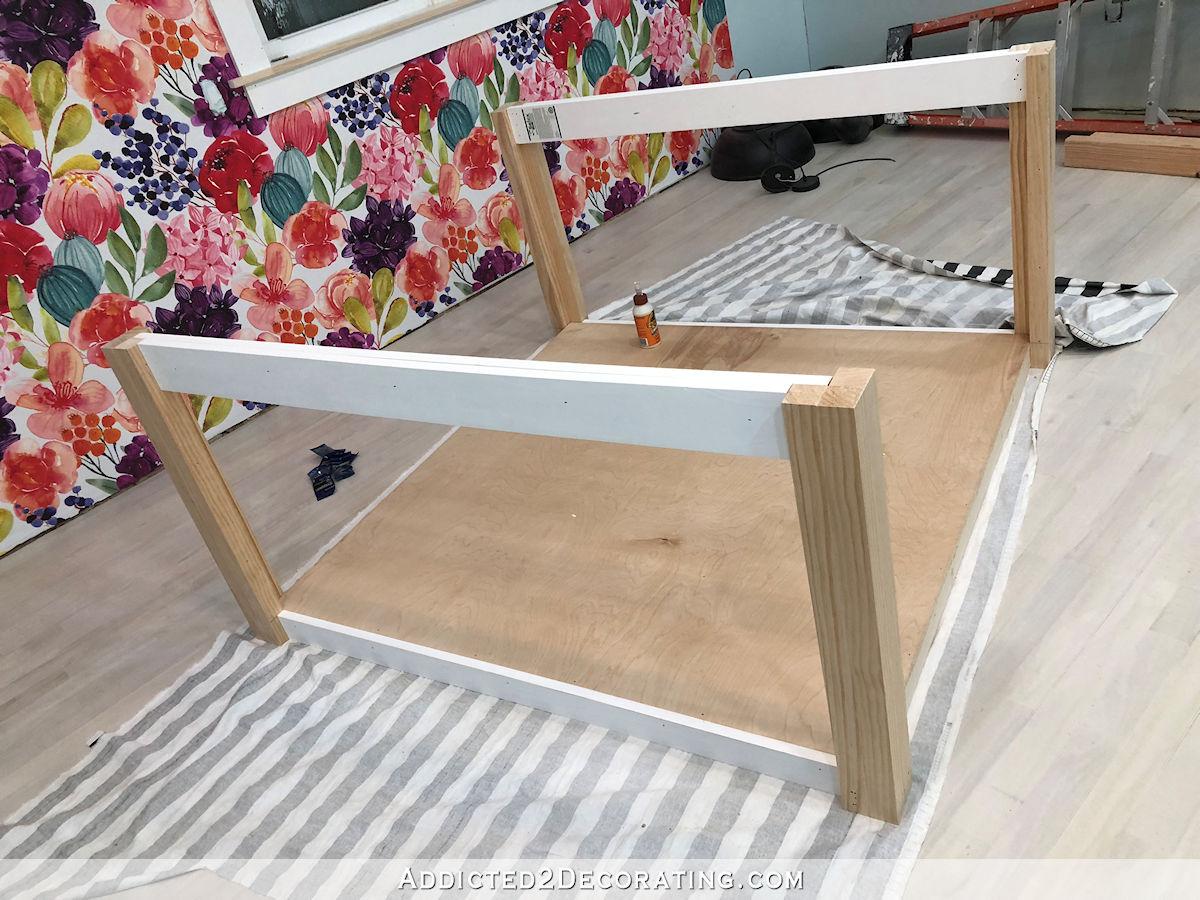 comment construire une grande table craft - 18 - ajouter des supports à l'autre côté