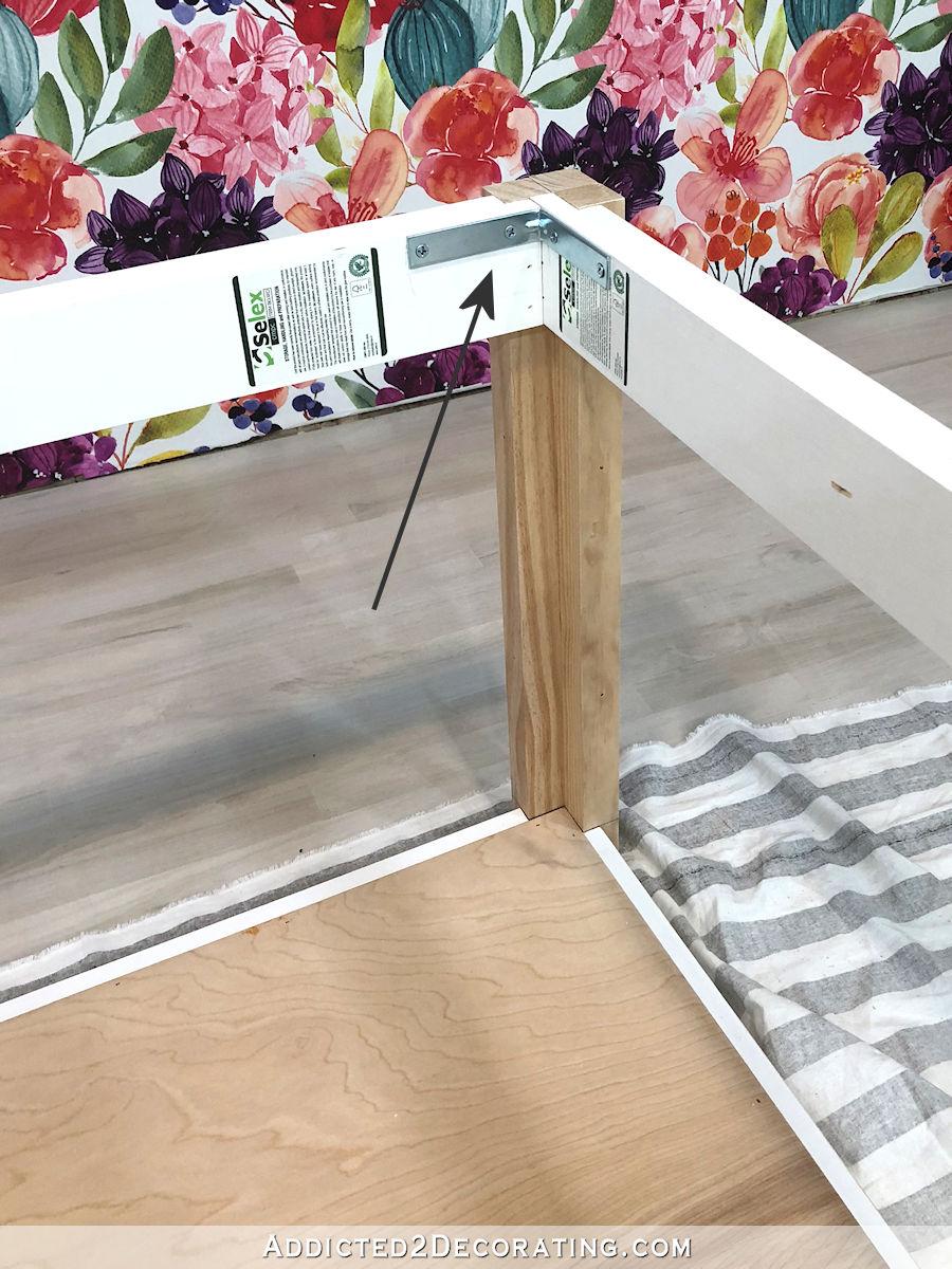 comment construire une grande table craft - 20 - ajouter des équerres de coin