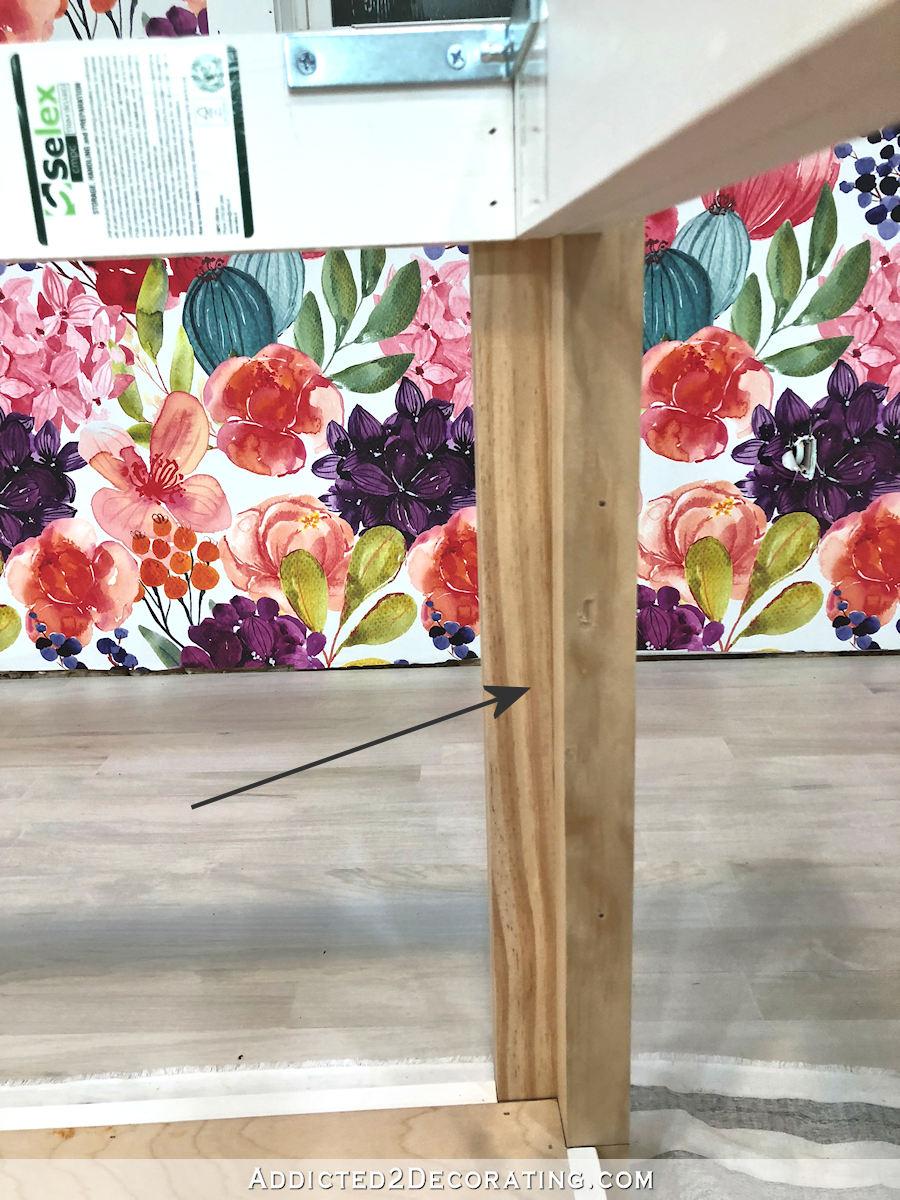 comment construire une grande table craft - 21 - les pattes sont encore inachevées