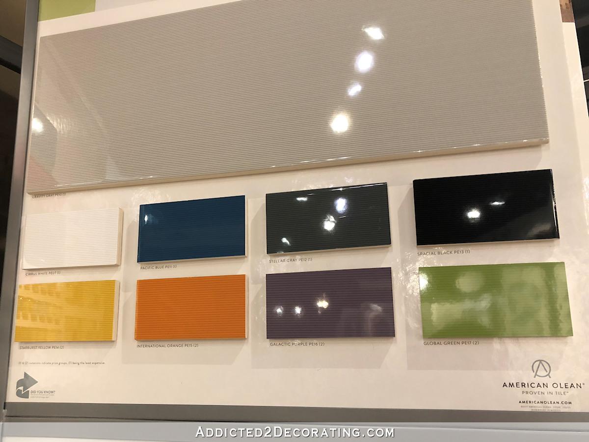options de carrelage de salle de bains principale - 7 - dalles colorées à fines rayures