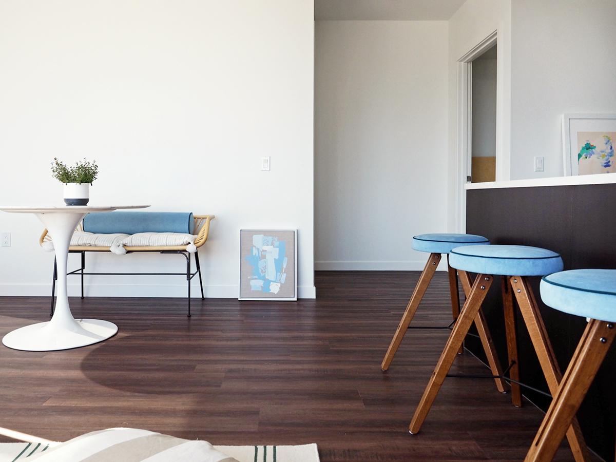 comment nous créons un look nautique moderne dans cet appartement seattle | Coco Kelley