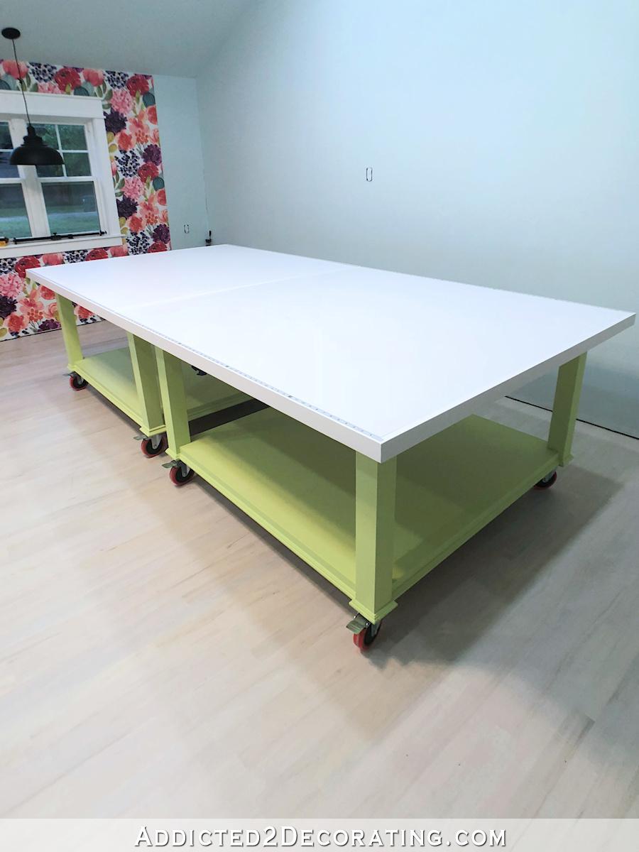 grande table de bricolage pour atelier - deux tables qui peuvent être serrées ensemble pour former une immense table - 2