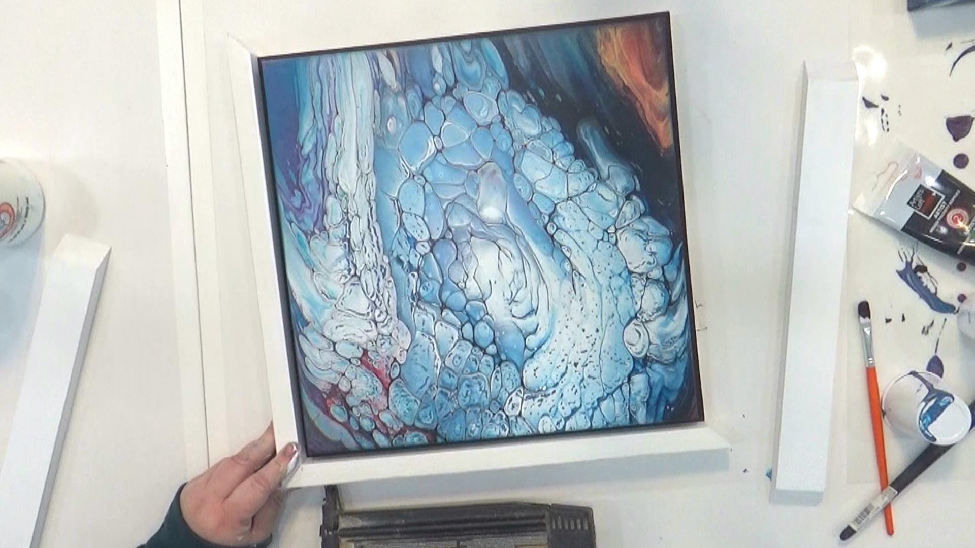Cloud Pour - Avalanche - clouez les morceaux du cadre principal à la toile