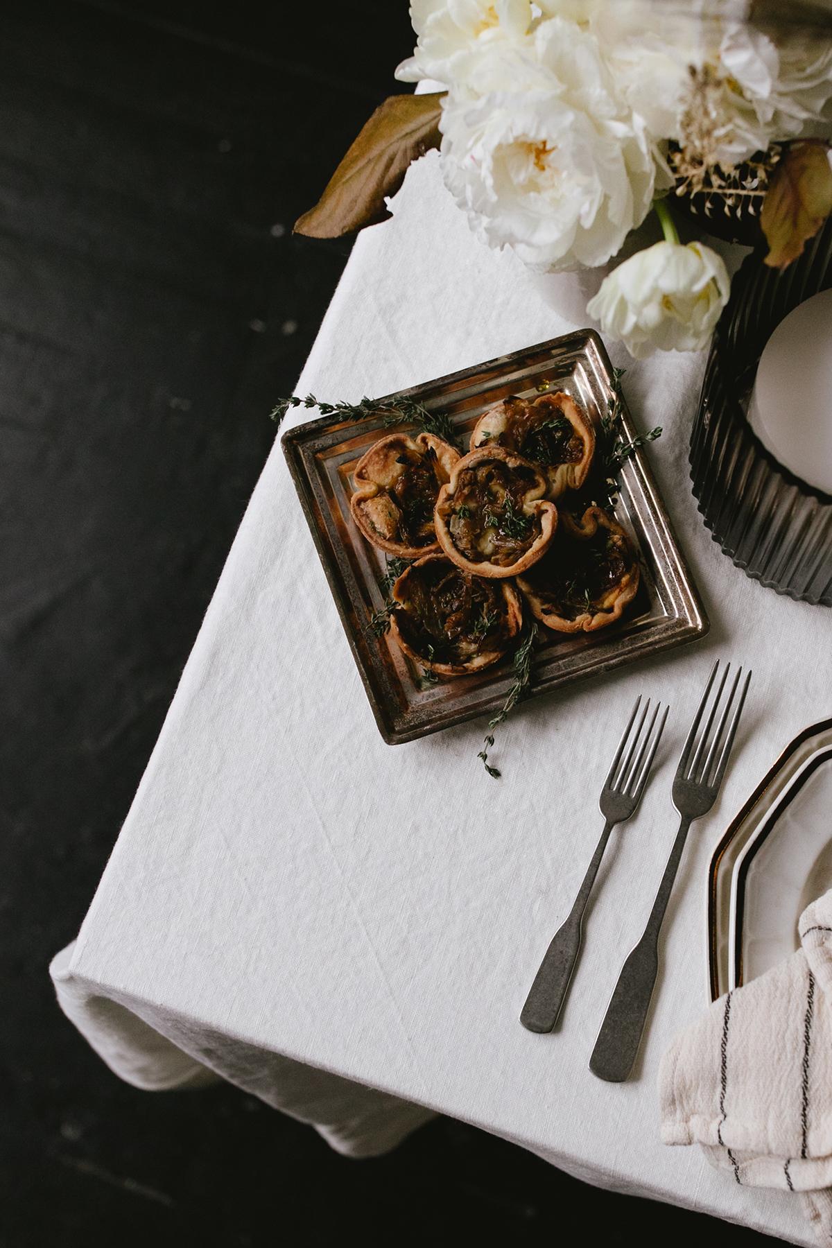recette de tartelette à l'oignon pour vos apéritifs de Thanksgiving | Coco Kelley