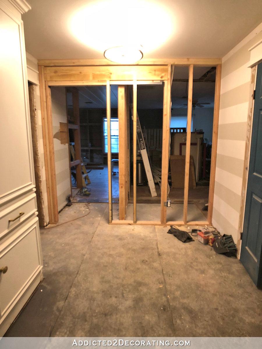 couloir avec nouveau mur construit