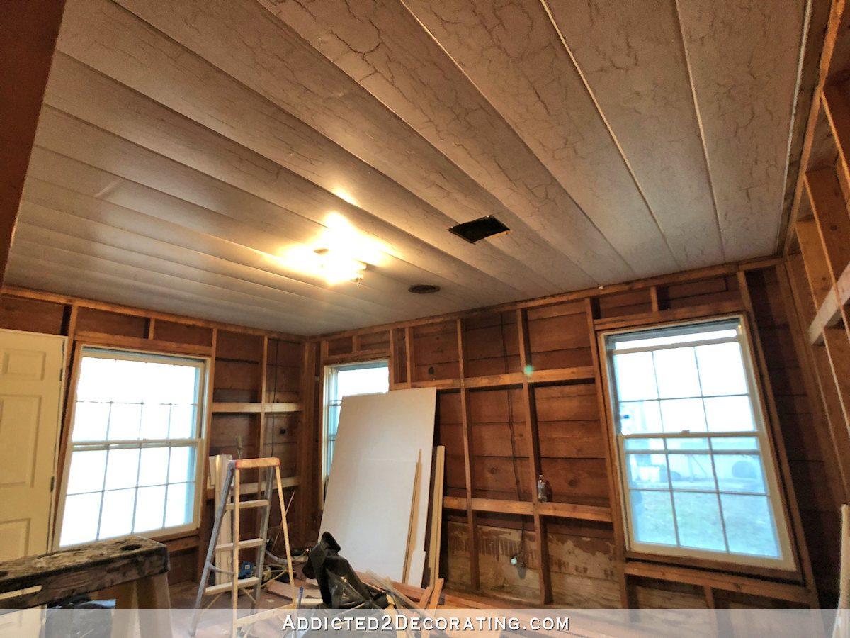 progrès de gym à domicile - bois restant au plafond