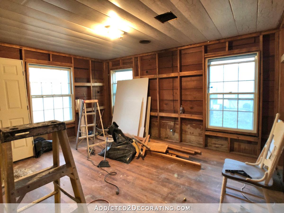 progrès du gymnase à domicile - bois retiré des murs