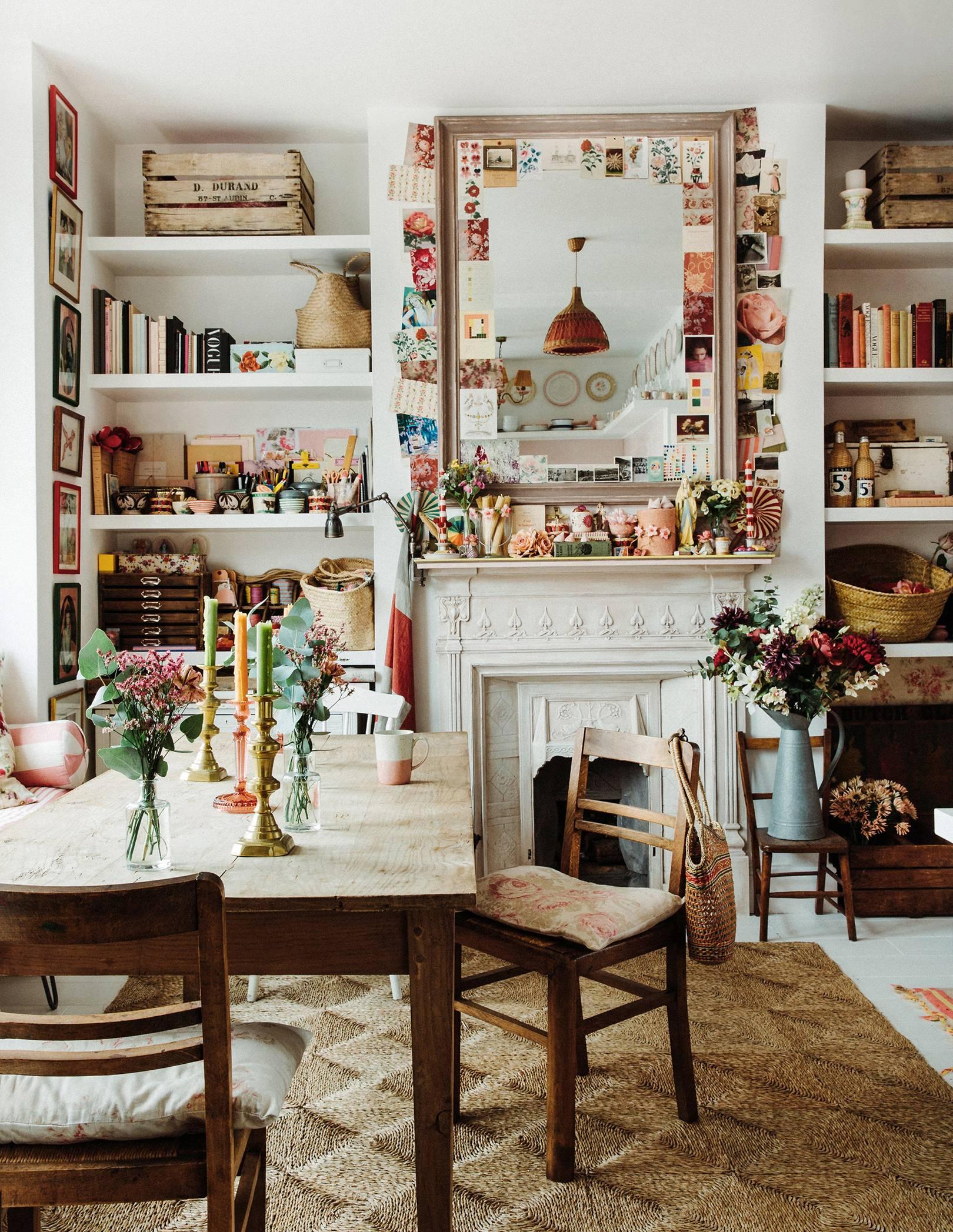 granny chic style romantique dans cette salle à manger en couches éclectique | visite de la maison violet dent
