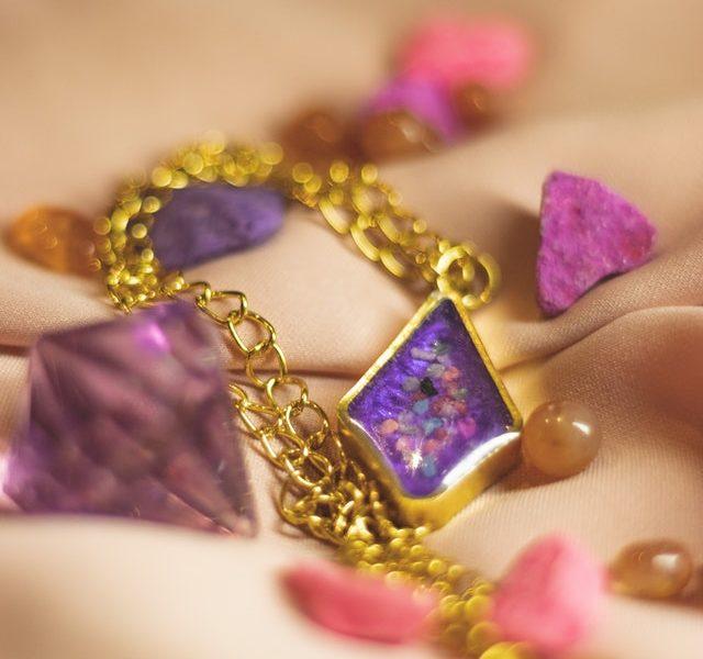 bijoux tendance plaque or